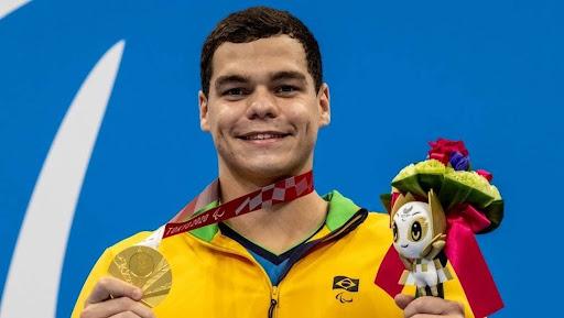 Gabriel Bandeira, o primeiro medalhista do Brasil nessa Paralimpíada.