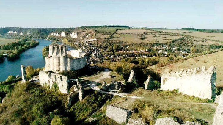 O Castelo Gaillard é um dos diversos castelos construídos por Rei Ricardo I, Coração de Leão.
