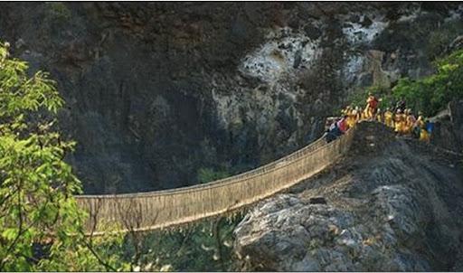 Esta sociedade ficou conhecida pela construção de pontes.