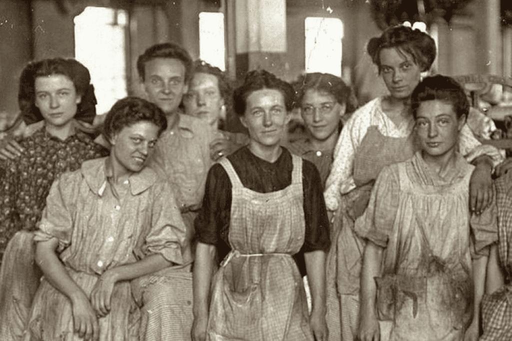 Para reivindicar direitos, as mulheres se uniram durante a Revolução Industrial.
