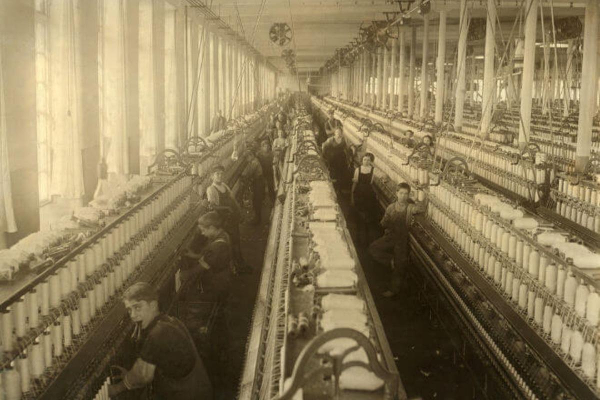 Qual a importância da Revolução Industrial na moda?