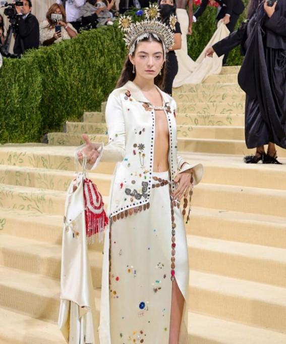 Lorde no Met Gala 2021.
