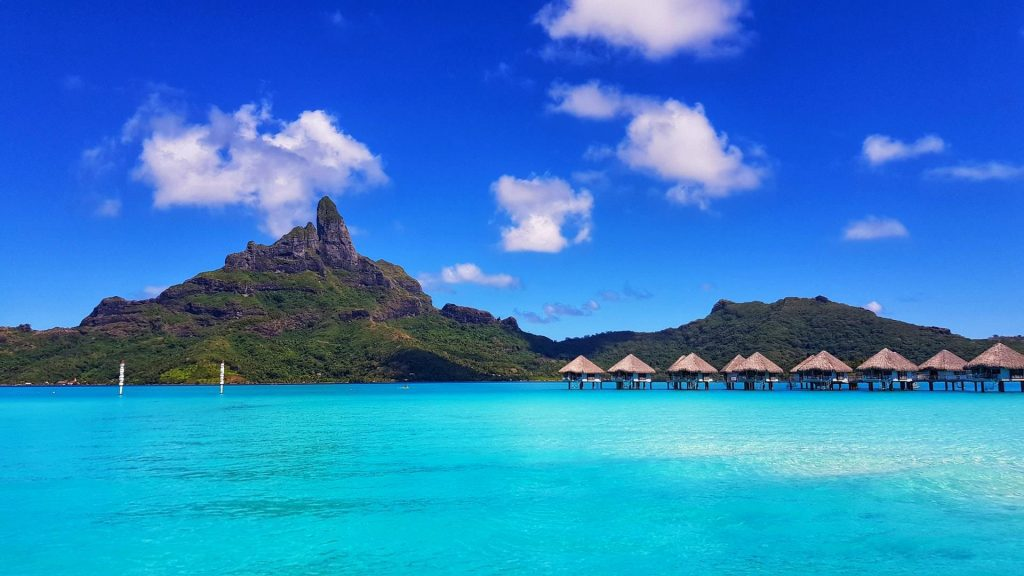 Bora Bora é cheia de resorts de luxo.