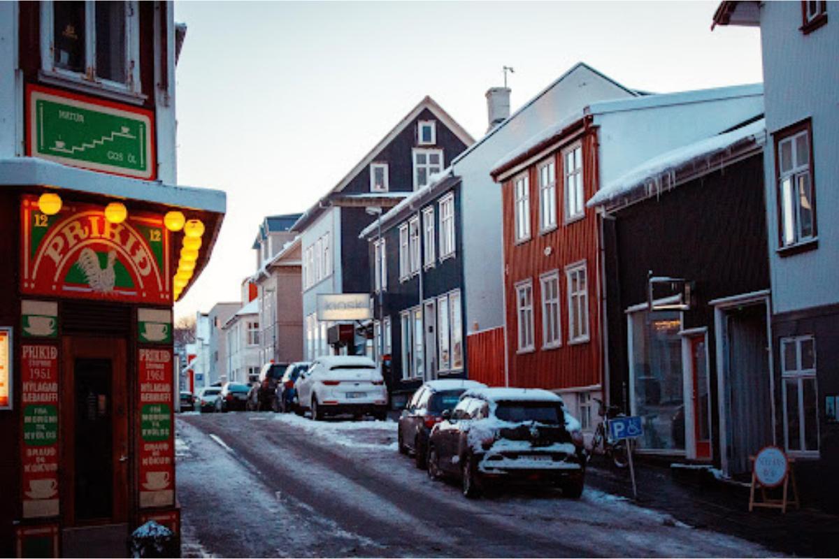 Islândia: Conheça o distante e peculiar país europeu