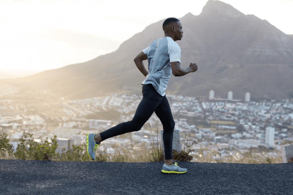Os exercícios físicos são benéficos para o corpo e para sua saúde mental.