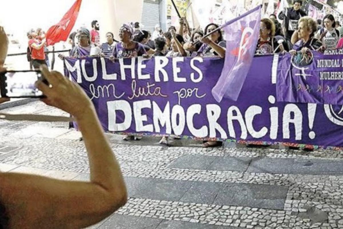 5 coisas que eram proibidas para as mulheres no Brasil
