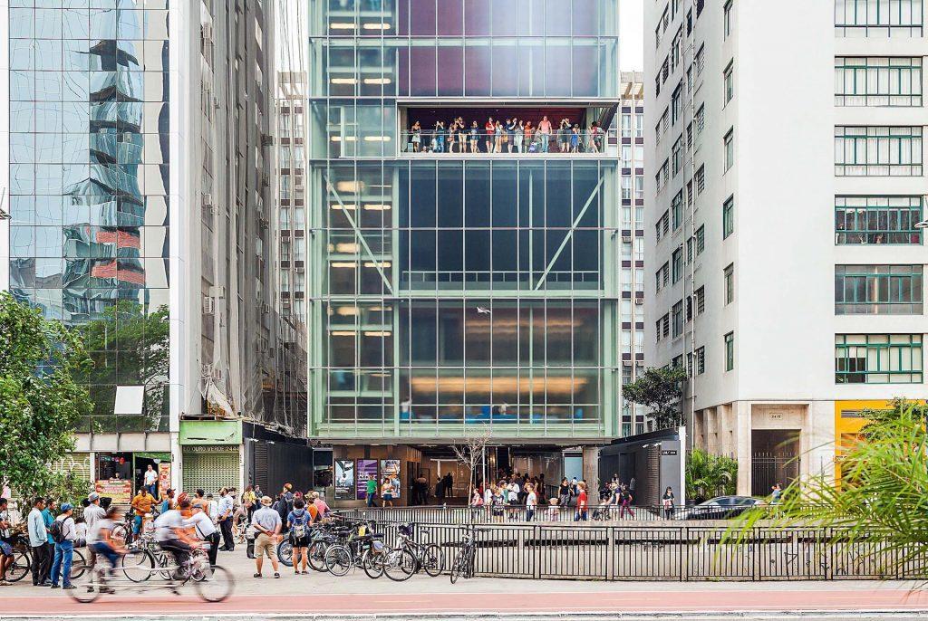 O IMS é uma galeria de artes, com exposições de artes plásticas e fotografias em São Paulo.