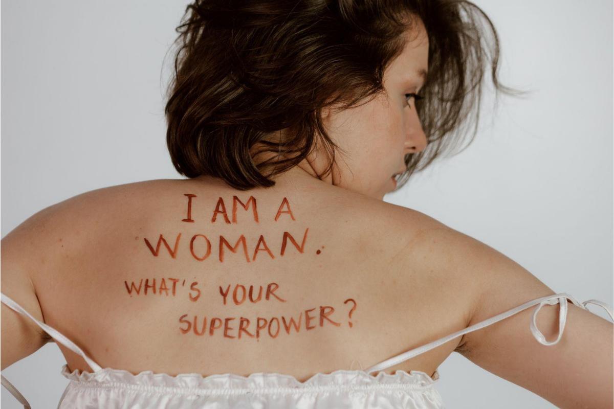 Qual a importância de personagens femininas bem construídas?