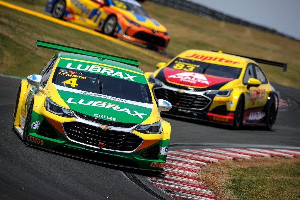 No País existem diversas competições de automobilismo.