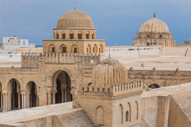 Como o centro do Islã, a cidade possui diversas mesquistas.