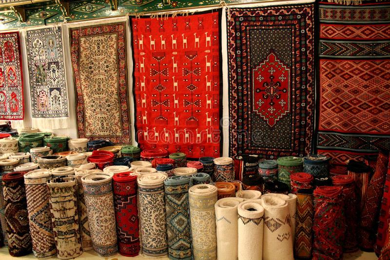 Os tapetes de Al Qayrawan são conhecidos mundialmente.