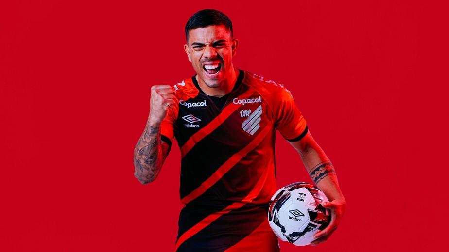 David Terans é um dos jogadores estrangeiros que atua em times brasileiros.