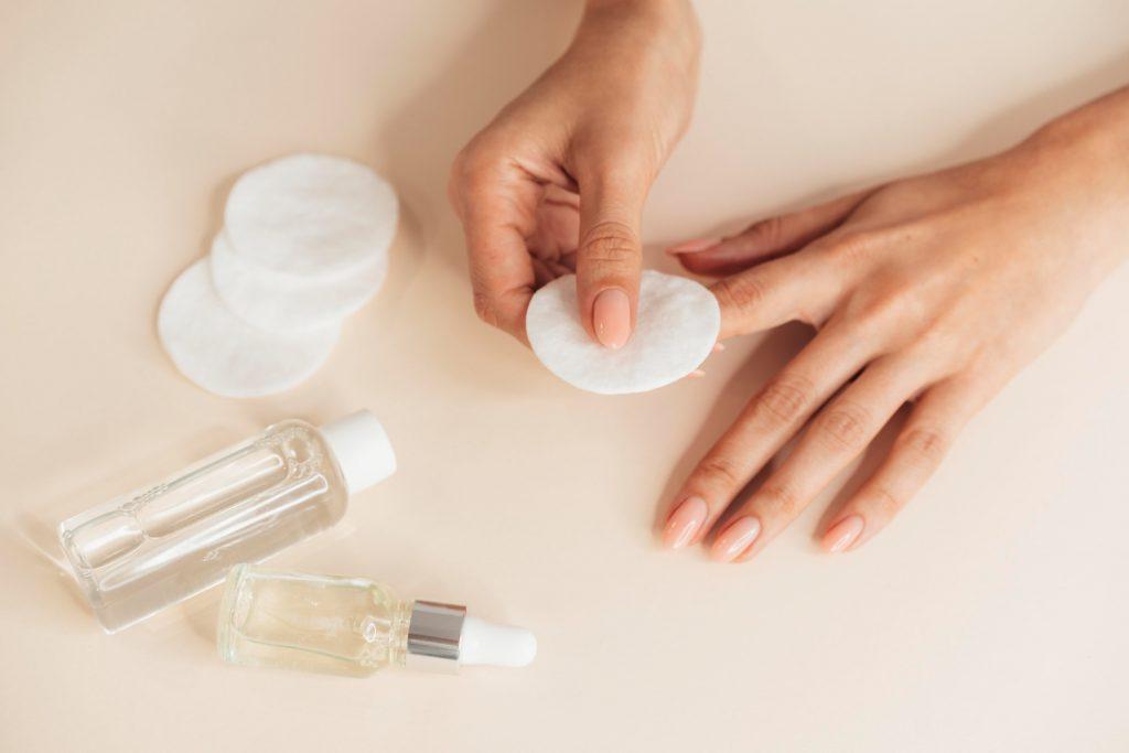 Conheça 5 produtos para o tratamento de unhas fracas.