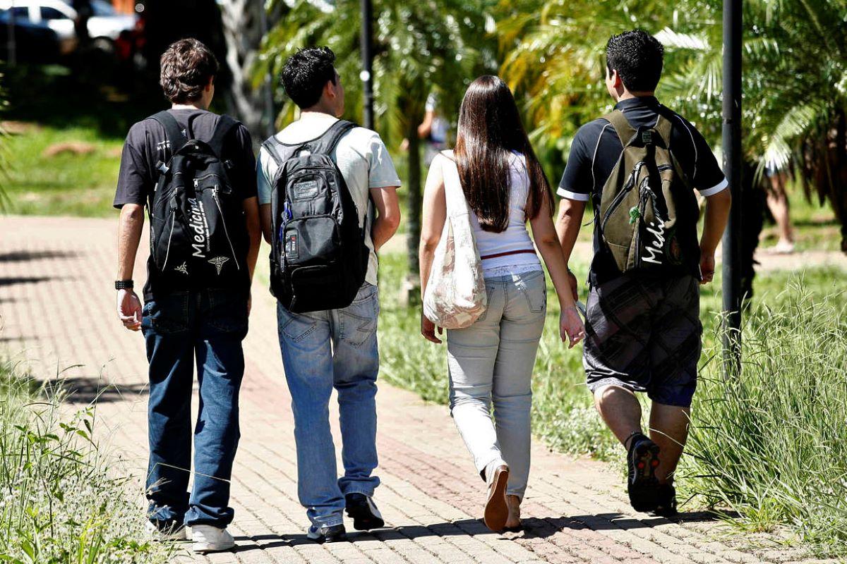 Feira das Universidades Israelenses permite que estudantes estudem fora